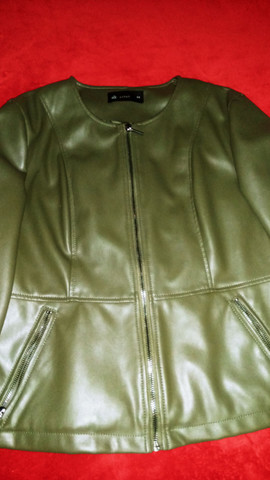 Jaqueta feminina em Corino, tamanho 44