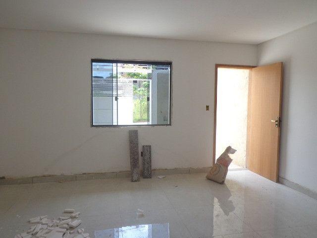 Linda casa de 2/4 com quintal e 2 vagas por R$ 269.000 em Jardim dos Alfineiros - Foto 7