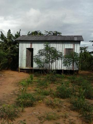 Vendo esta casa la na vila do Incra