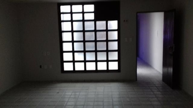 Prédio Comercial com 06 salas na Avenida Tomás Espíndola, Farol - Foto 3