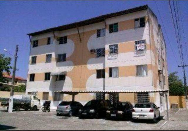 Apartamento com reforma no Cond. Canoas no Conjunto Augusto Franco