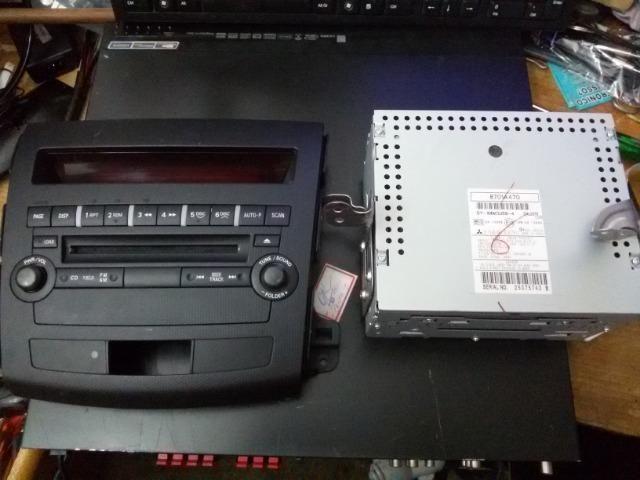 Rádio Toca CD Mitsubishi 8701a470 Com Frente Made In Japan