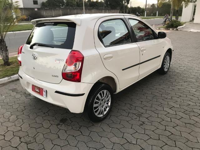 Toyota etios 1.3 xs 2013 unico dono - Foto 4