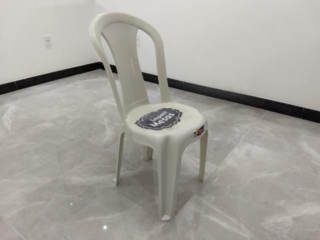 Cadeira de Plástico - Bistrô - Foto 2