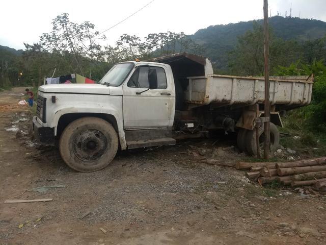 Vende esse caminhão basculante - Foto 6