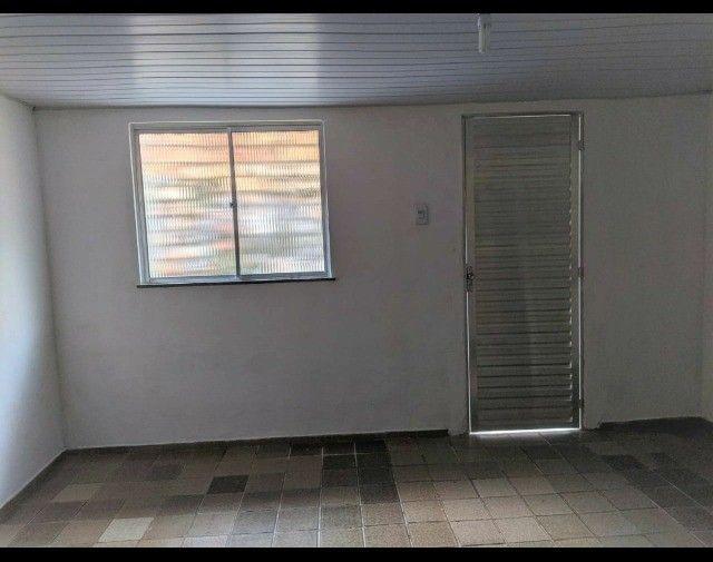 Kit-Net Espaço e bem localizado no bairro da Pedreira. - Foto 4