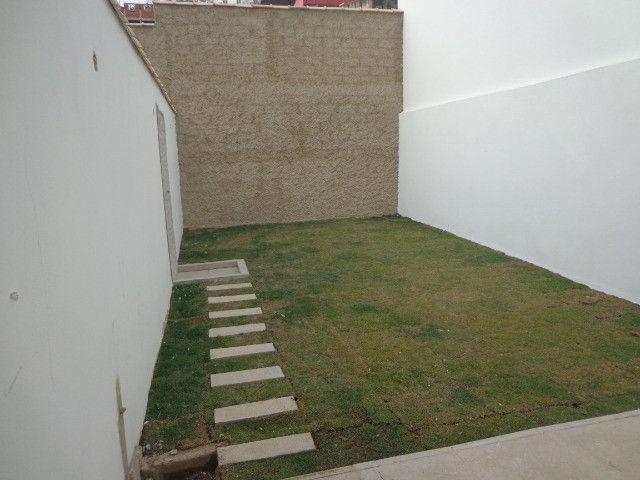 Linda casa de 2/4 com quintal e 2 vagas por R$ 269.000 em Jardim dos Alfineiros - Foto 20