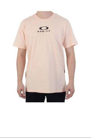 Melhor preço do mercado, Invista em você, camisetas Oakley Siga nos no Insta @tadeoakley - Foto 4