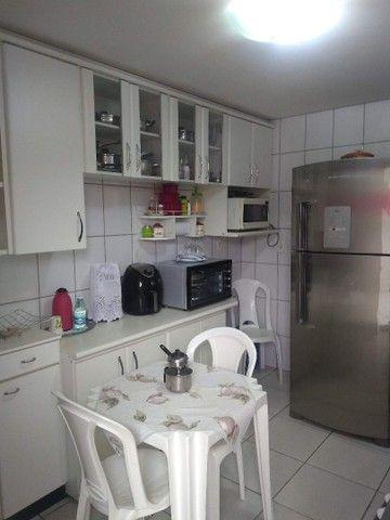Vende-se Sobrado Geminado em Condominio Fechado na regiao Central de Goiania. - Foto 4
