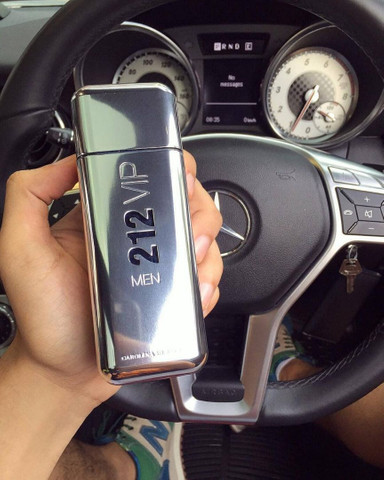 Perfume 212 VIP Men EUA de Toilette - 100ml