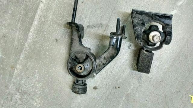 Calço motor caixa câmbio Corolla 2.0 2014 - Foto 2