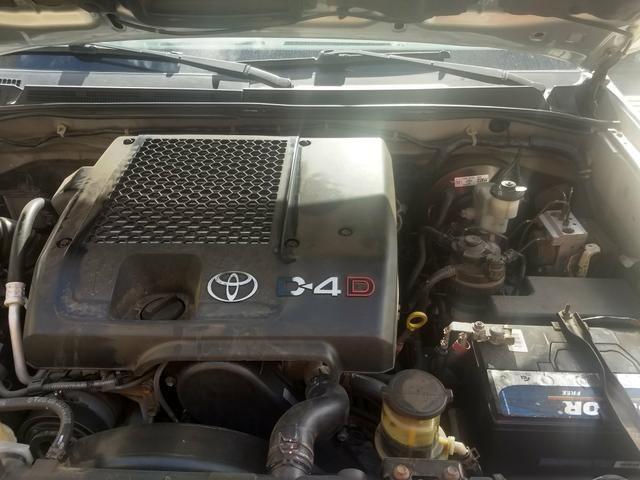 Toyota Hilux vendo e troca em carro de menor valor carro comprador zero único dono - Foto 4