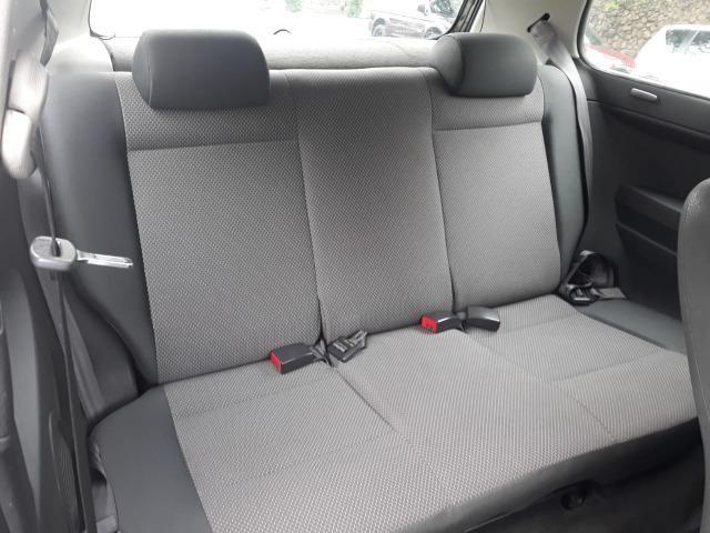 Volkswagen - Fox 1.0 8v Flex 2p Ar Condicionado - Financio em até 48x. - Foto 5