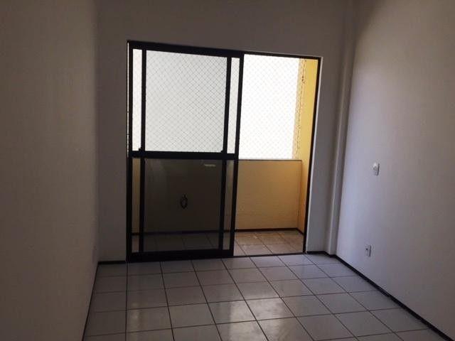 Apartamento com 3 dormitórios à venda, 60 m² por R$ 170.000,00 - Cidade dos Funcionários - - Foto 7