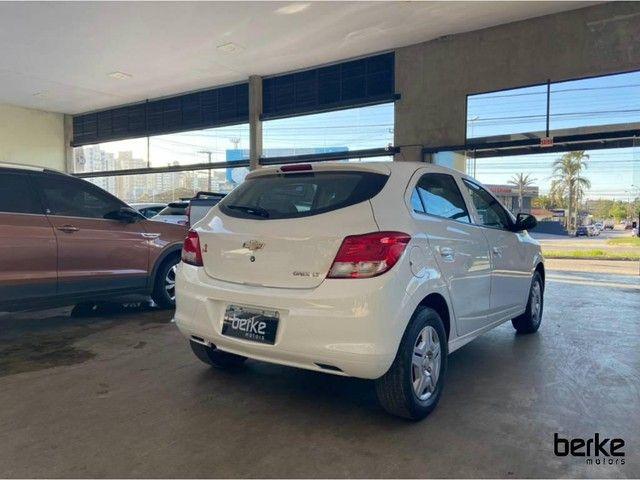 Chevrolet Onix HATCH LT 1.0 8V FlexPower 5p Mec. - Foto 15