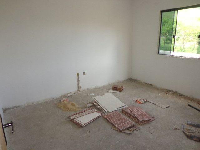 Linda casa de 2/4 com quintal e 2 vagas por R$ 269.000 em Jardim dos Alfineiros - Foto 13