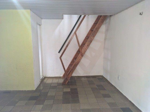 Kit-Net Espaço e bem localizado no bairro da Pedreira. - Foto 2