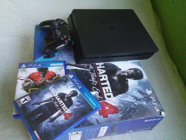 Uncharted 4 A Thief's End e Street Fighter 5