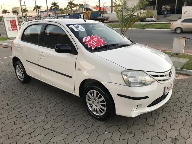 Toyota etios 1.3 xs 2013 unico dono - Foto 12