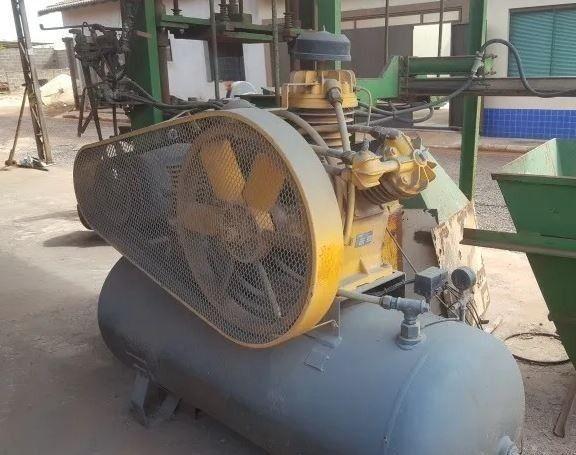 Maquina Fabrica De Blocos E Canaleta De Concreto Completa - Foto 4