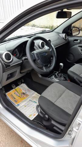 Ford Fiesta Sedan 1.6 2012/12 Prata Completo - Foto 7