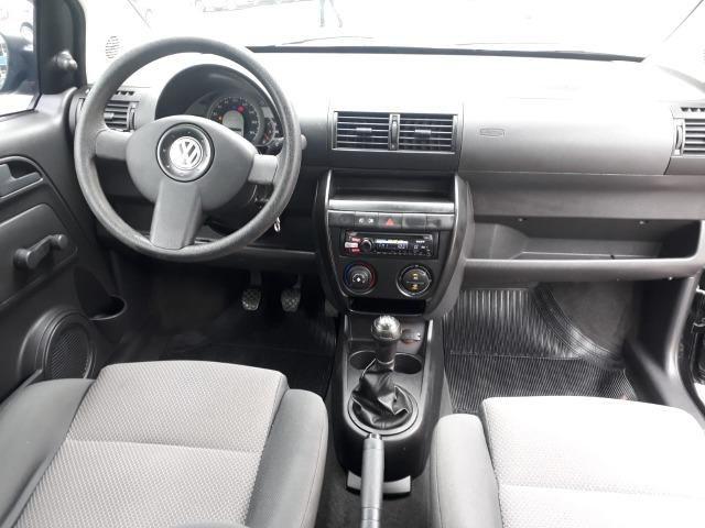 Volkswagen - Fox 1.0 8v Flex 2p Ar Condicionado - Financio em até 48x. - Foto 7