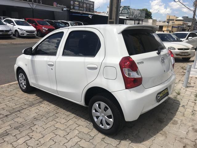 Toyota Etios 1.3 HB X - Foto 3
