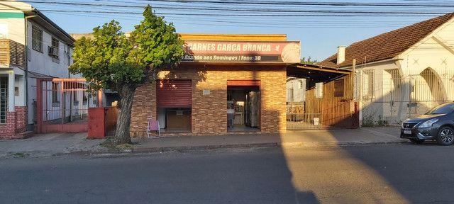 Sala comercial com casa de alvenaria ao fundos. Av. Borges de Medeiros, 960. - Foto 17