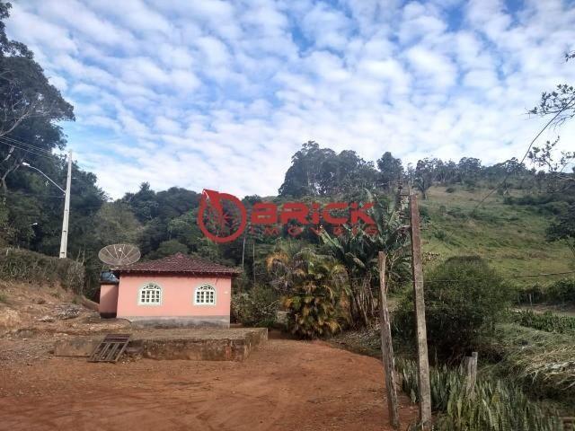 Excelente sítio com 2 casas de caseiro e com 207 mil m² de terreno em São José do Vale do  - Foto 7