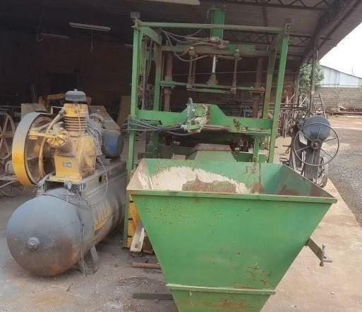 Maquina Fabrica De Blocos E Canaleta De Concreto Completa - Foto 2