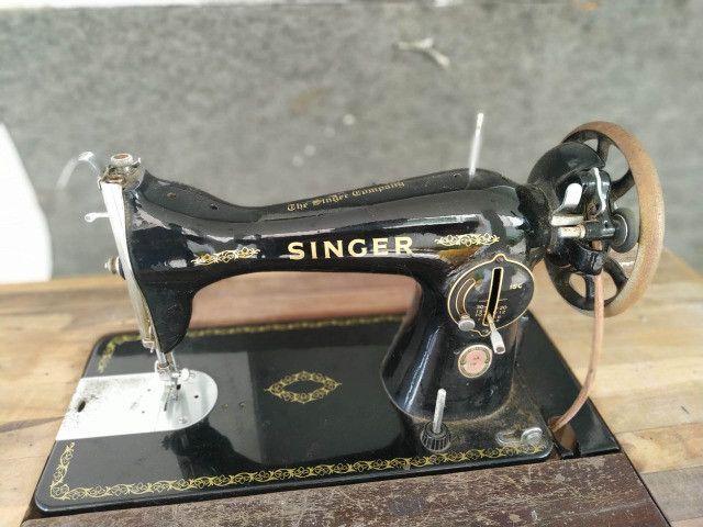 Maquina Costura Antiga Singer Anos 60 - Foto 2