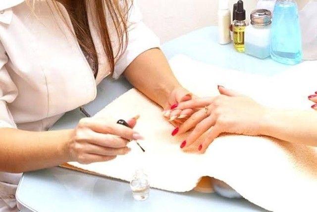 Vaga para manicure - Salão