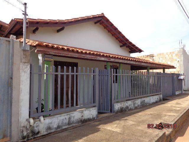 Excelente casa na Praça Danilo Macedo ( Centro Luz /MG) - Foto 2