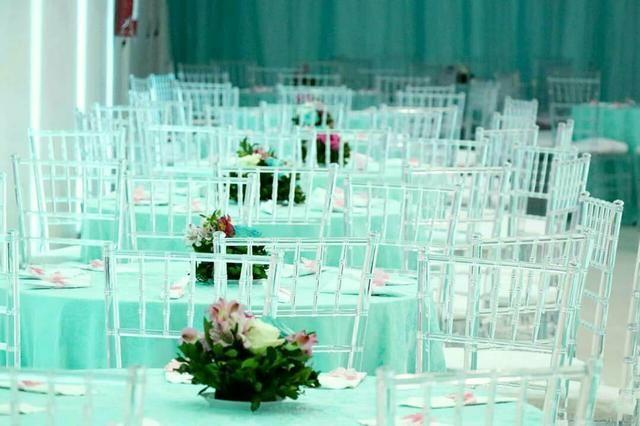 Locação de Cadeiras Tiffany Cristal
