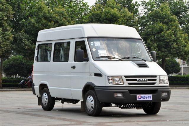 Micro Ônibus - Van, marca FIAT, ano 2002
