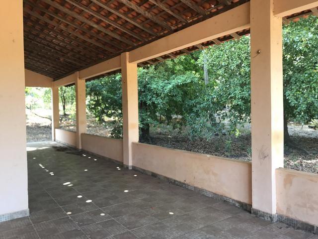 Vendo Sitio no Paço do Lumiar, com casa e muitas árvores frutíferas