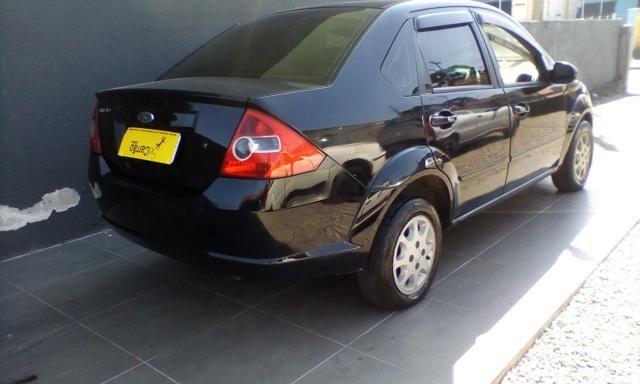 Ford fiesta sedan 2005 - Foto 4