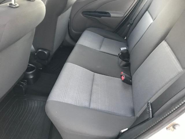 Toyota etios 1.3 xs 2013 unico dono - Foto 6