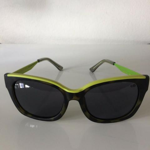 4b24807d0226f Óculos de Sol Chilli Beans - Nunca usado - Bijouterias