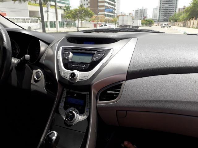 Hyundai Elantra - Foto 5