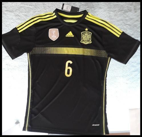 1c7012eaf8504 Camisa Oficial Adidas da Seleção da Espanha Copa 2010 - Esportes e ...
