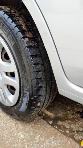 Ford Fiesta Sedan 1.6 2012/12 Prata Completo - Foto 17