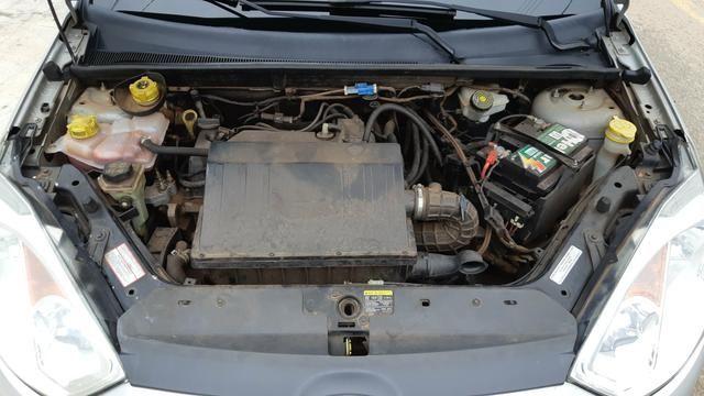 Ford Fiesta Sedan 1.6 2012/12 Prata Completo - Foto 11