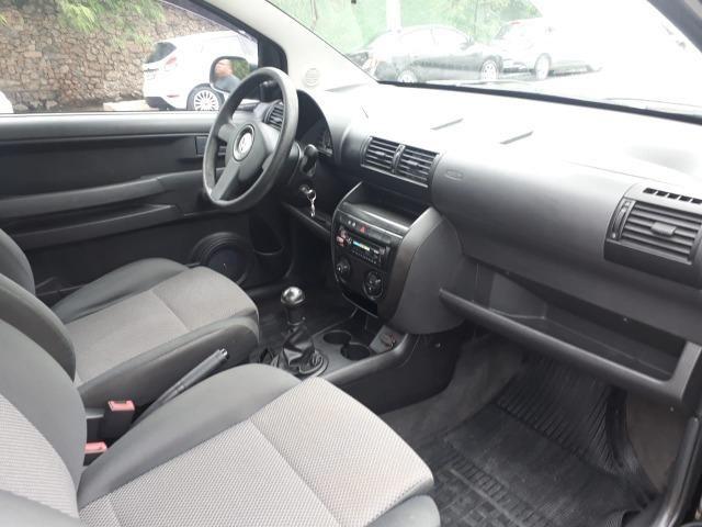 Volkswagen - Fox 1.0 8v Flex 2p Ar Condicionado - Financio em até 48x. - Foto 6