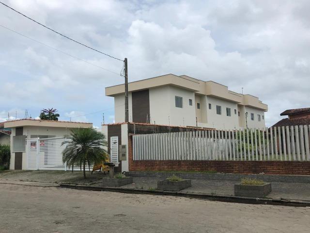 841- Sobrado em condomínio á venda, com 2 dormitórios (2 suítes) em Itanhaém