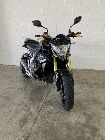 Honda CB1000R 2015 impecável - Financiamos - aceitamos trocas  - Foto 2