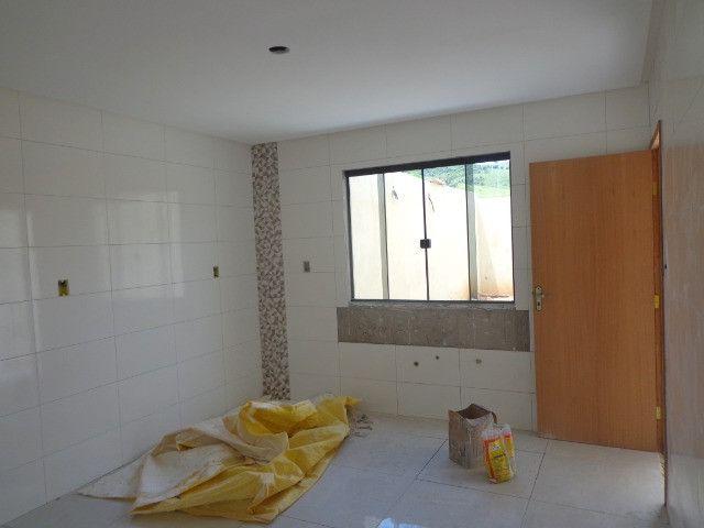 Linda casa de 2/4 com quintal e 2 vagas por R$ 269.000 em Jardim dos Alfineiros - Foto 16
