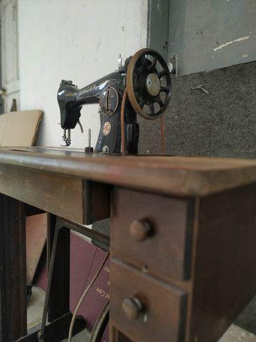 Maquina Costura Antiga Singer Anos 60 - Foto 3