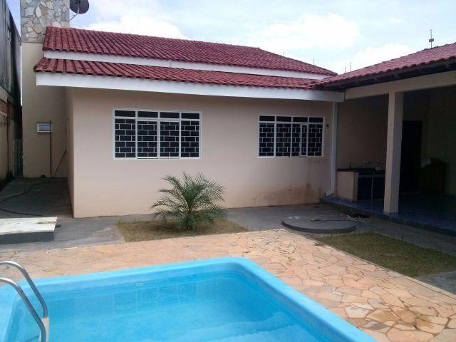 Casa - 215m² em Ji-Paraná/RO -Piscina - Churrasqueira - Suíte
