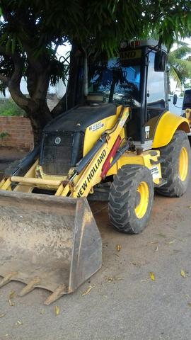 Retro escavadeira new holland b95b